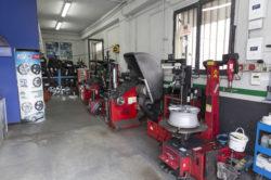 Centro servizi pneumatici
